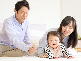 家族で遊ぶ風景
